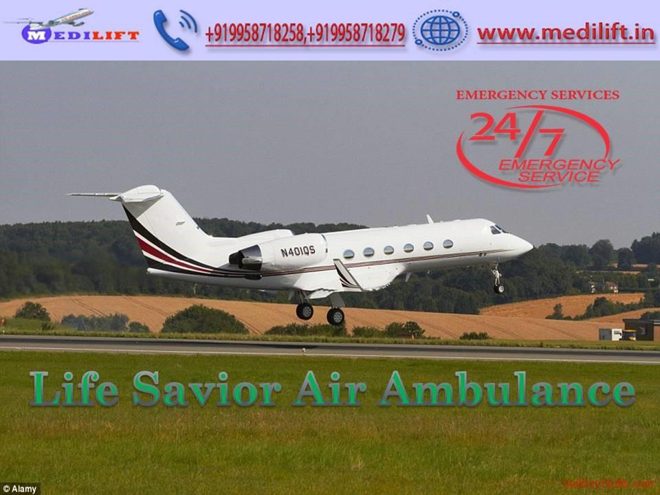 second hand/new: Pick Trusty Air Ambulance in Dibrugarh with Medical Facility
