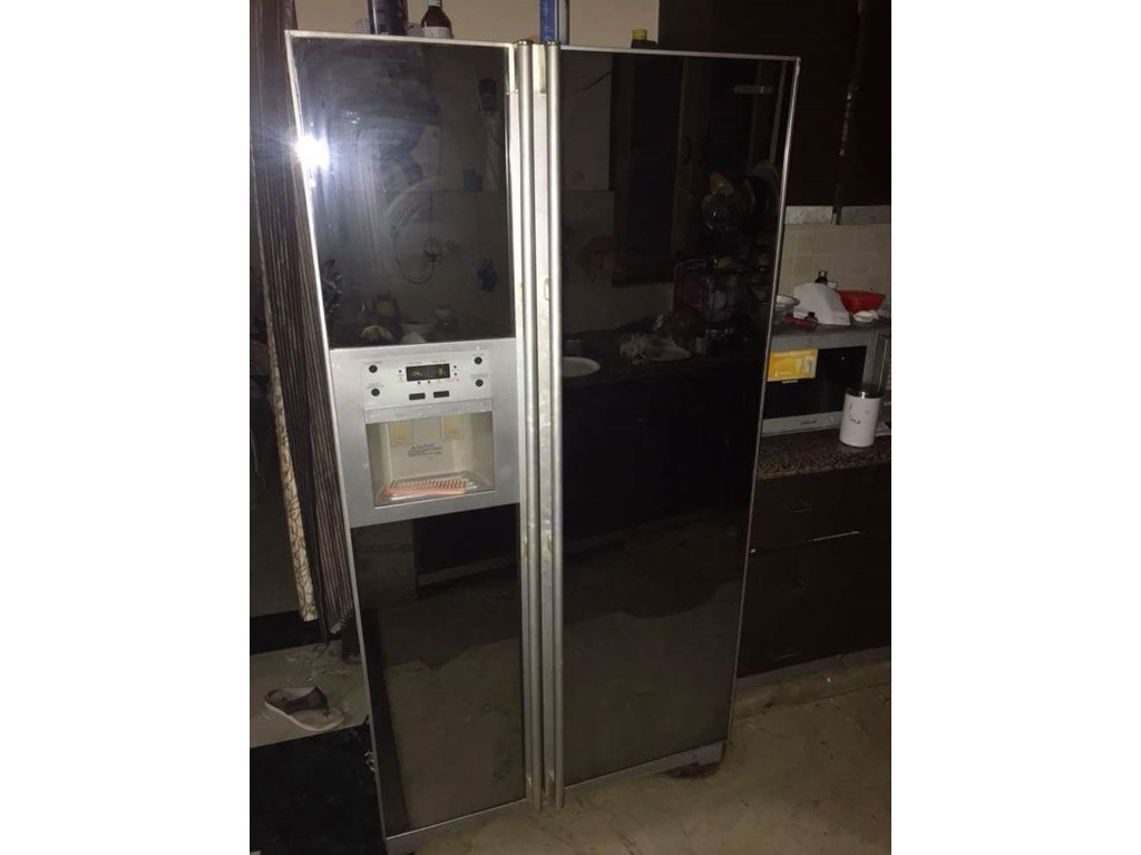 second hand/new: Fridge and TV in Delhi for sell