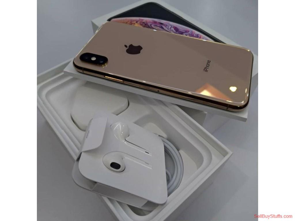 second hand/new: Brand new apple iphone xs max