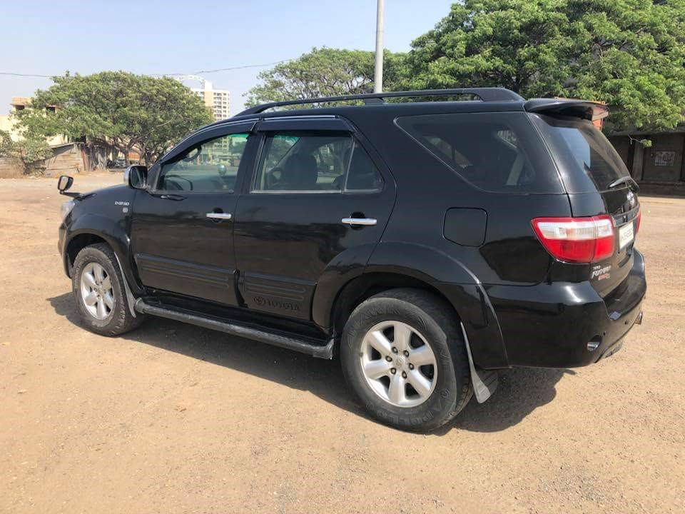 second hand/new: 4 × 4 Toyoto Fortuner SUV Car